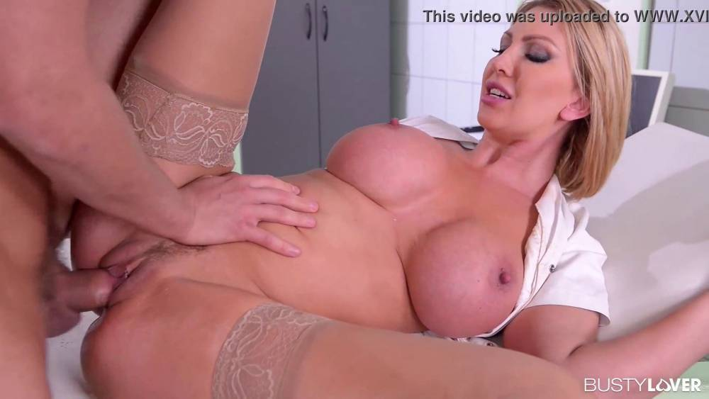 Endless Orgasms For Busty Milf Veronica Avluv During Rock